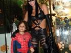 Alex, filho de Ronaldo, festeja sete anos fantasiado de Homem-Aranha