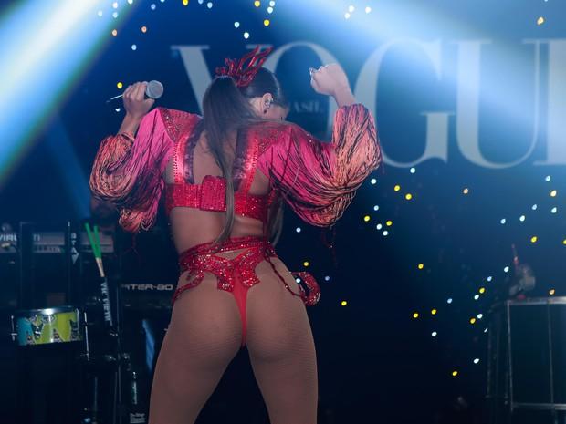 Anitta faz show em baile de carnaval em São Paulo (Foto: Raphael Castello/ Ag. News)