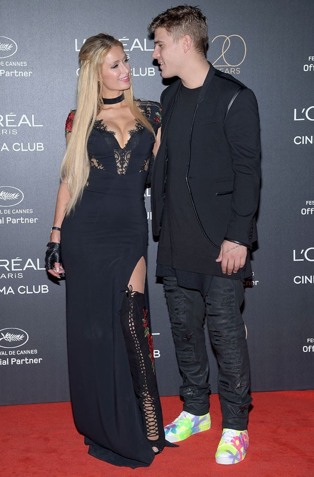 CANNES, FRANCE - MAY 24:  Paris Hilton and Chris Zylka attend the Gala 20th Birthday Of L'Oreal In Cannes during the 70th annual Cannes Film Festival at Martinez Hotel on May 24, 2017 in Cannes, France.  (Photo by Pascal Le Segretain/Getty Images) (Foto: Getty Images)