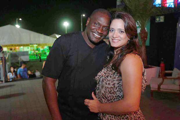 Jacaré e a esposa Gabriela Mesquita  (Foto: Foto: Ricardo Cardoso e Icaro Cerqueira/QUEM)