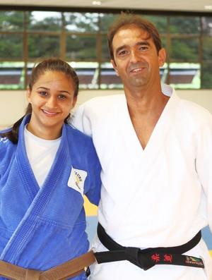Giovana Silvério e o treinador Juarez Garcia (Foto: Divulgação/Leandro Mendes)
