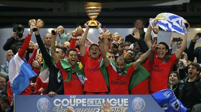Thiago Silva taça Copa da Liga da França Paris Saint-Germain (Foto: Reuters)