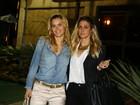 Carolina Dieckmann, Preta Gil e mais famosos vão à festa de Flora Gil
