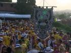 Foliões se despedem do carnaval em Olinda e no Recife Antigo
