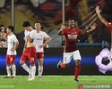 Paulinho marca, Guangzhou empata em casa e comemora o hexa na China