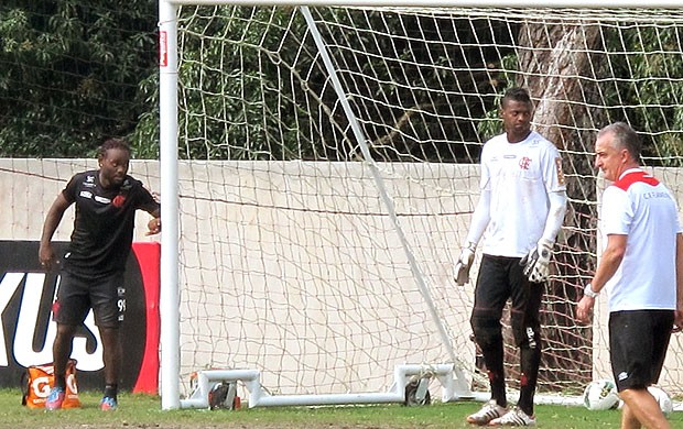 Felipe e Vagner Love no treino do Flamengo (Foto: Janir J&#250;nior / Globoesporte.com)