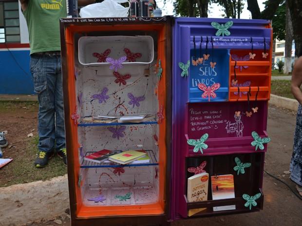 Gelateca, biblioteca, livros, Movimento Laranja, Pouso Alegre (Foto: Daniela Ayres/ G1)