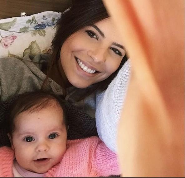 Rubia Baricelli e a filha, Helena (Foto: Reprodução/Instagram)