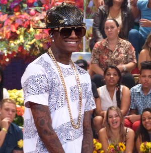 Rapper Soulja Boy dá show de simpatia no programa (Esquenta! / TV Globo)