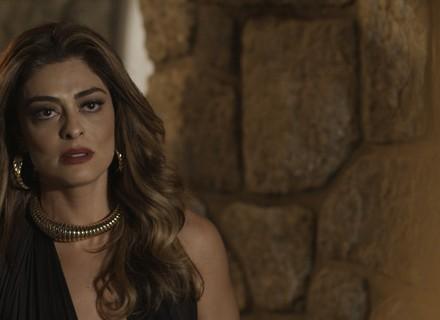 Dicas de Moda: Colar ousado de Bibi é destaque no capítulo de 14/09, de 'A Força do Querer'