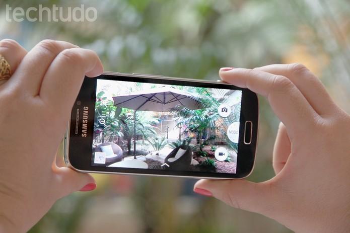 Samsung Galaxy S4 Zoom (Foto: Luciana Maline/TechTudo)