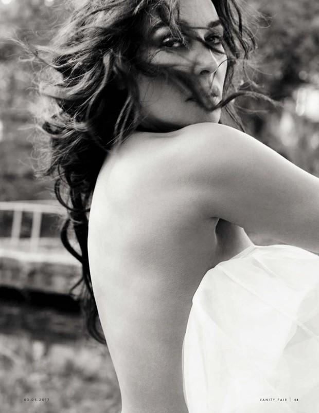 Monica Bellucci (Foto: Reprodução/Vanity Fair)