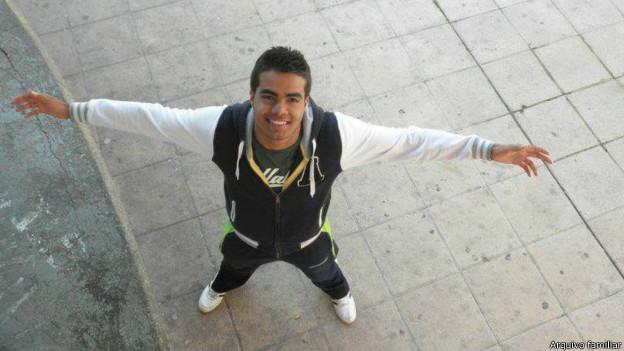 Nascido em Salvador, Victor da Silva Lago, de 19 anos, vivia na Espanha há 11 anos (Foto: BBC/Arquivo familiar)