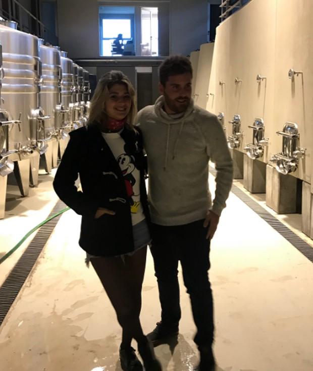 Isabela Rozental e Thiago Gagliasso em Vinã Eden (Foto: Reprodução/Instagram)