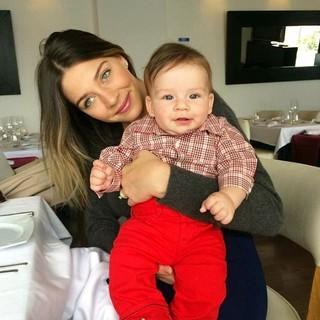 Luma Costa com o filho, Antônio (Foto: Instagram / Reprodução)