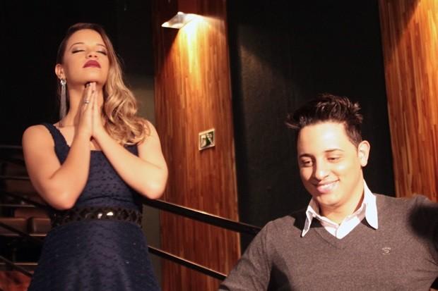 Dupla grava clipe em cinema com participação de Cristiano Araújo, em Goiânia (Foto: Divulgação/Sal Marinho)