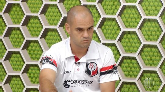 """Técnico está confiante em livrar Santa Cruz do rebaixamento: """"É possível"""""""