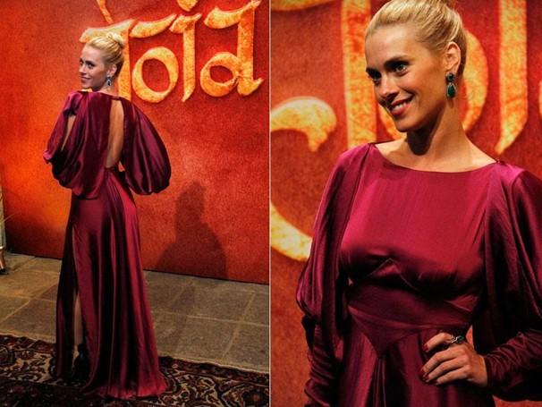 O lindo vestido da linda atriz Carolina Dieckmann (Foto: Nathalia Fernandes/Globo)