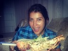 Ex-BBB Priscila Pires mostra prato do almoço: lagosta com salada