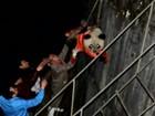 Panda é resgatado após cair em hidrelétrica na China; assista