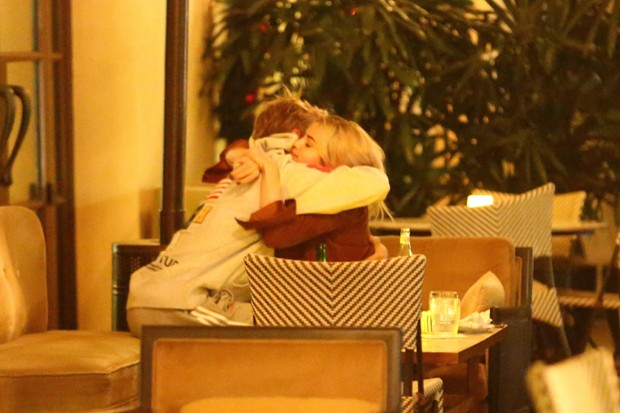 Justin Bieber e Selena Gomez (Foto: The Grosby Group)