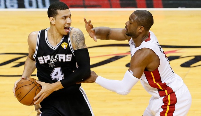 Basquete NBA - Miami Heat x San Antonio Spurs - Danny Green e Dwayne Wade (Foto: Getty Images)