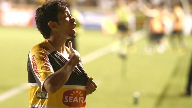 Lucca, comemora gol do Criciúma contra o ABC (Foto: Fernando Ribeiro / Futura Press)