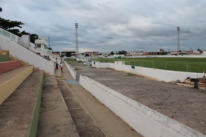 Estádio Petrolina (Foto: Emerson Rocha)