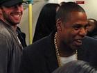 Rapper Jay Z pega metrô de Londres para fazer show