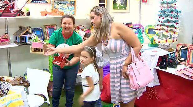 Feira de produtos natalinos em Manaus (Foto: Amazonas TV)