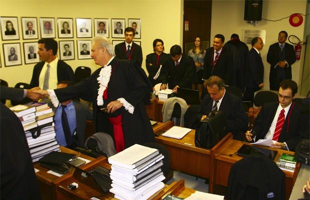 Início do julgamento do goleiro Bruno, em Contagem, Minas Gerais (Foto: Maurício Vieira/G1)