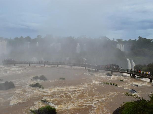 Feriado de Ano Novo no Parque Nacional do Iguaçu teve visitação superior à esperada, com mais de 39 mil turistas e moradores da região (Foto: Cataratas do Iguaçu S. A. / Divulgação)