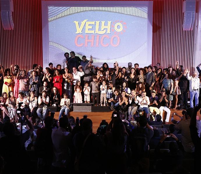 Elenco reunido na festa de lançamento de Velho Chico (Foto: Inácio Moraes/Gshow)