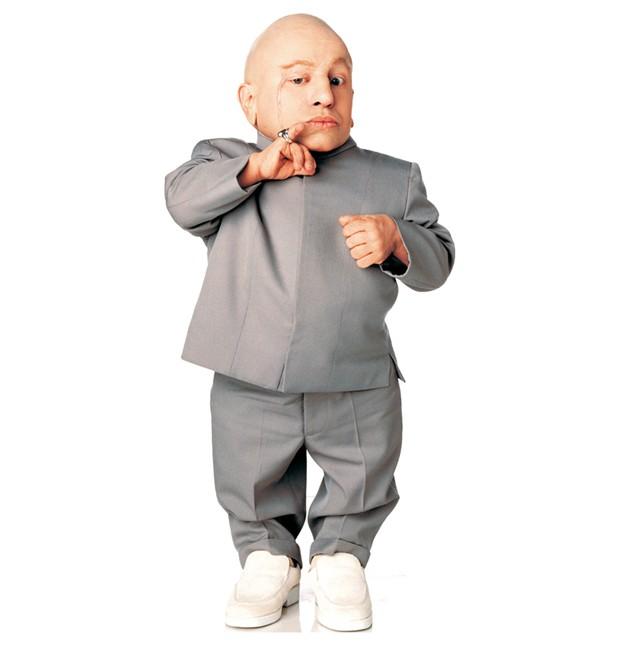 Verne Troyer como Mini-Me na franquia 'Austin Powers' (Foto: Reprodução)
