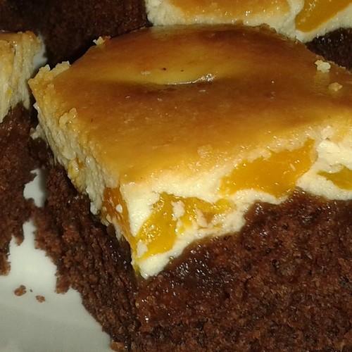 Bolo Mary (bolo com chesse cake de pêssego