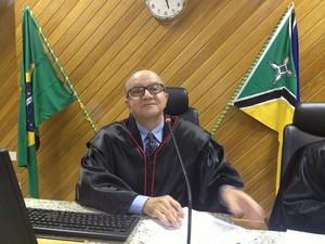 Presidente do TRE Amapá, Raimundo Vales diz que vaga é de Antônio Furlan (Foto: Fabíola Gomes/ G1)