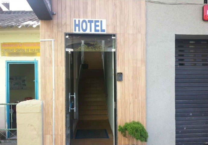 Fachada do hotel onde ocorreu o incidente com os jogadores do Rio Branco-ES (Foto: Reprodução)