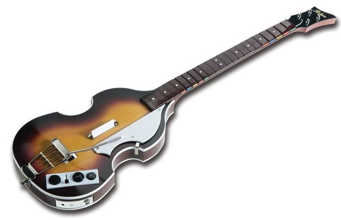 O baixo de Paul McCartney também funciona como guitarra (Foto: Divulgação/Harmonix)
