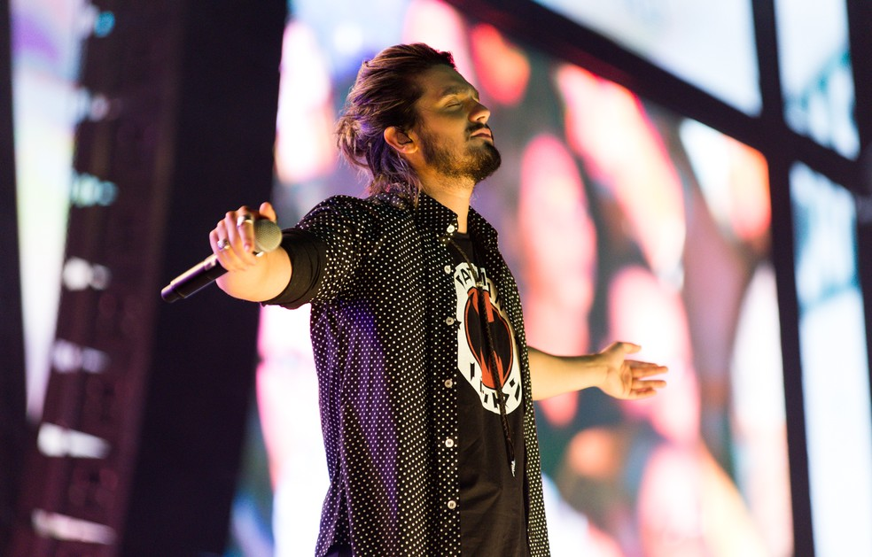 Luan Santana se apresenta na festa de Patos (Foto: Érico Andrade/G1)