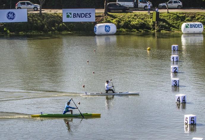Isaquias Queiroz bate Maico com pouca vantagem, mas garante medalha de ouro (Foto: Murilo Ribas / Confederação Brasileira de Canoagem)