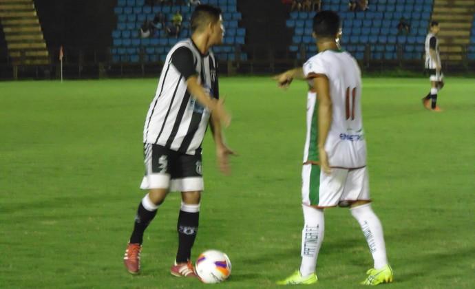 Estreia de Ipatinga e Social foi marcada por muitas faltas e gol contra  (Foto: Wilkson Tarres/Globoesporte.com)