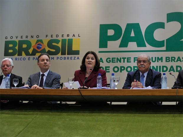 O 7º balanço da segunda fase do Programa de Aceleração do Crescimento (PAC 2) é apresentado pela ministra do Planejamento, Miriam Belchior.  (Foto: Antonio Cruz/ABr)