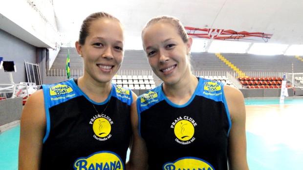 Michelle e Monique vôlei Praia Clube (Foto: Leo Velasco / Globoesporte.com)