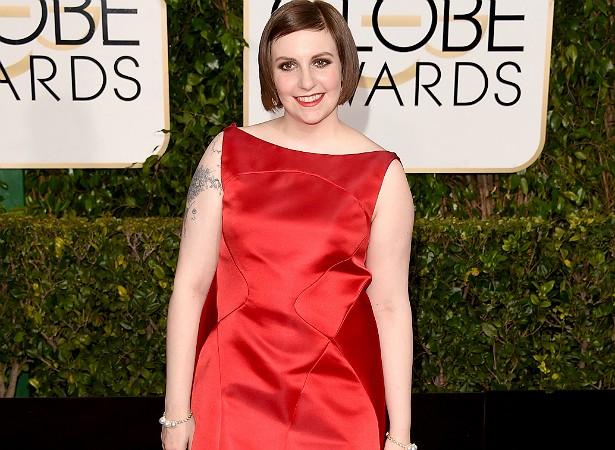 """A criadora e protagonista da série 'Girls', Lena Dunham, leu um monte de críticas de blogueiros de moda quando, graças a seu trabalho, começou a frequentar eventos em Hollywood, geralmente com as pernas de fora. """"Minha resposta é: pode se acostumar. Vou exibir minhas coxas todos os dias, até a minha morte."""" (Foto: Getty Images)"""