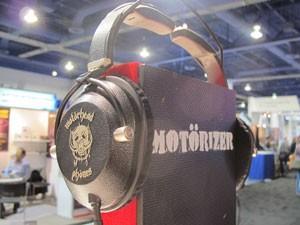 'Motorheadphones' foram criados, principalmente, para quem gosta de ouvir rock (Foto: Daniela Braun/G1)