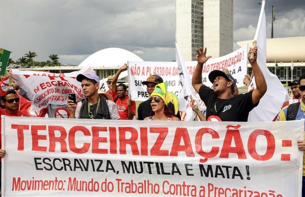 O projeto da terceirização ameaça os direitos trabalhistas?