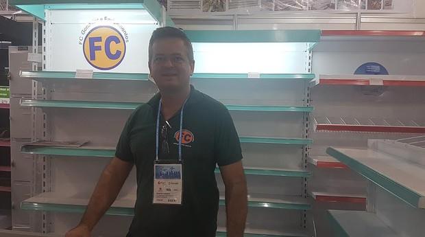 Lúcio Zanardo, criador da FC Gôndola, durante a Feira do Empreendedor (Foto: Débora Duarte)