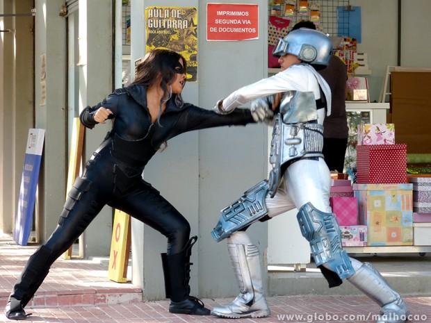 Fight! Paulino e Zorga lutam em pleno Grajaú! (Foto: Malhação/TV Globo)