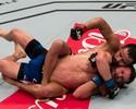 Jussier Formiga usa jogo de chão e vence Dustin Ortiz no UFC Brasília