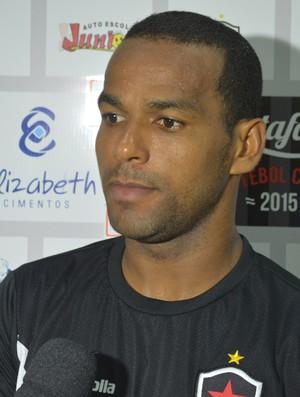 Zaquel, volante do Botafogo, pelo Campeonato Paraibano (Foto: Amauri Aquino / GloboEsporte.com)